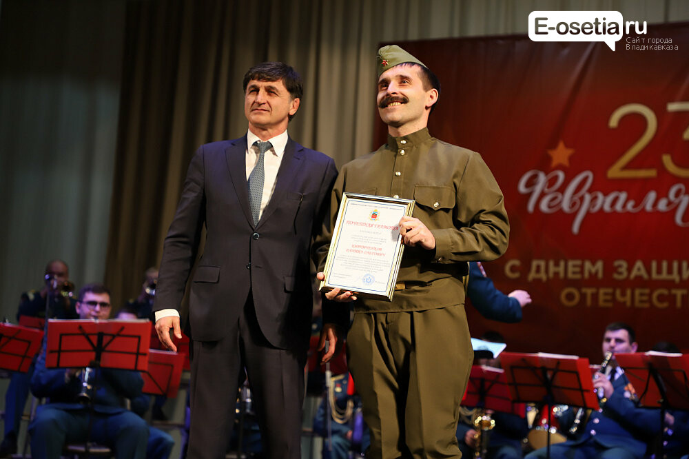 В городском Дворце молодежи прошел концерт прославленного военного ансамбля, фото-1