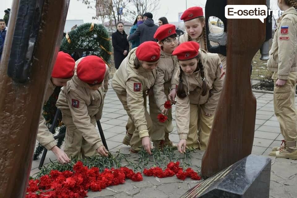 Владикавказские юнармейцы провели смотр строя и песни отрядов, фото-1