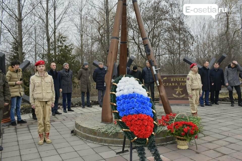 Владикавказские юнармейцы провели смотр строя и песни отрядов, фото-3