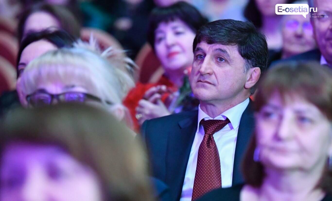 Пока депутаты за «воспитательную работу» в сфере ТКО, во Владикавказе жгут покрышки, фото-1