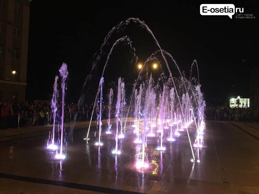 Во Владикавказе состоялось торжественное открытие поющих фонтанов , фото-2
