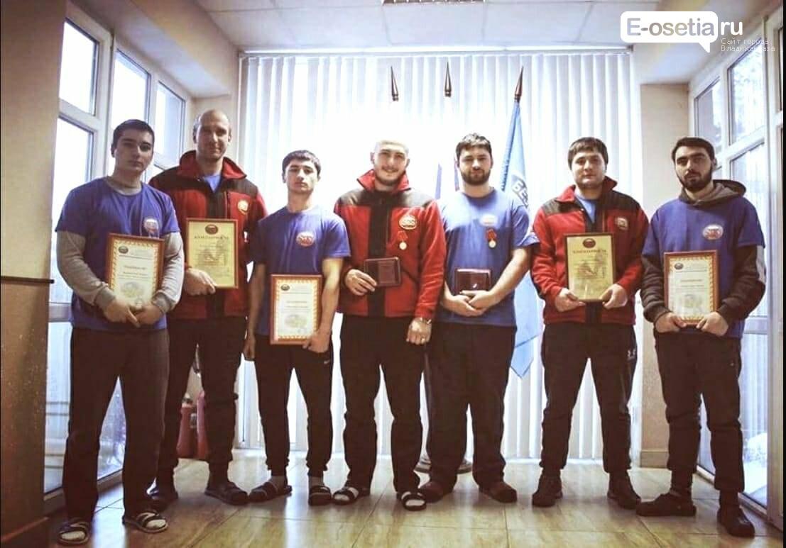 Учебно-педагогический состав ГМТ, Преподаватели ГМТ награждены медалями «За сотрудничество в деле спасения»
