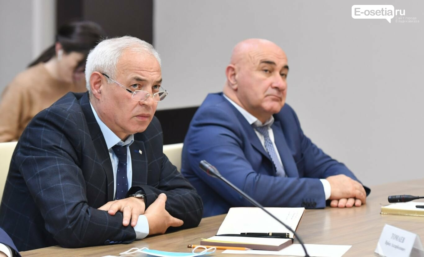 Состоялось оперативное совещание, под председательством Таймураза Тускаева