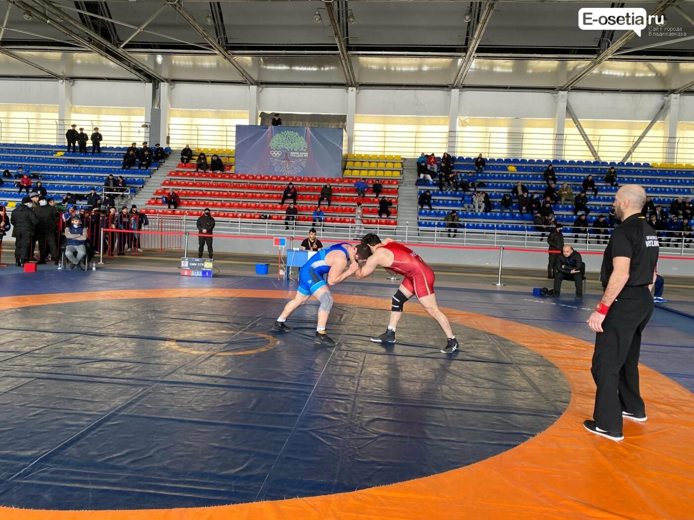 Чемпионат СКФО по вольной борьбе, проходит во Владикавказе